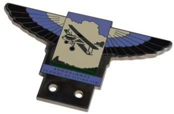 BROOKLANDS SCHOOL OF FLYING - GRILLE BADGE (BGE_BSF)